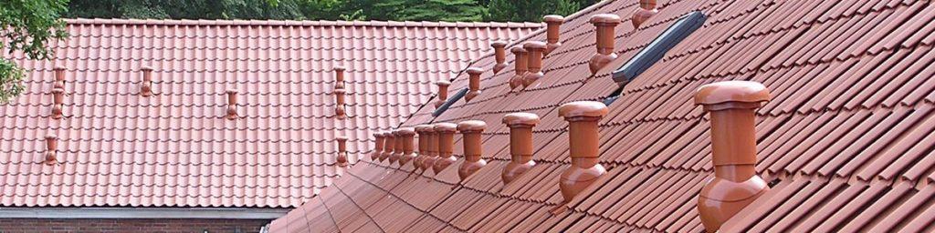 Strešne odduhe Klöber Rovia na strehi